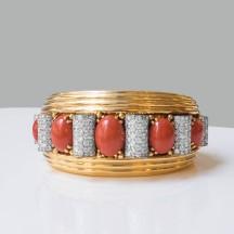 """René Boivin - Bracelet """"Bobinettes"""" en or, platine, diamants et corail - vers 1950"""