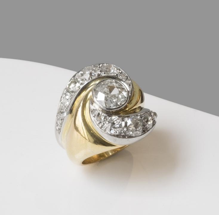 """Suzanne Belperron - Bague modèle """" heureux"""" en or, platine et diamants - 1945"""