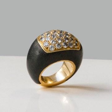 René Boivin - Bague en or, bois et diamants - vers 1970