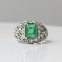 Suzanne Belperron - Bague en platine, émeraudes et diamants - 1942