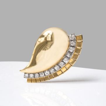 "Suzanne Belperron - Broche ""Egyptienne"" en or, platine et diamants - vers 1937"