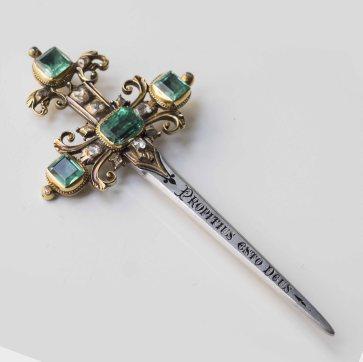 Broche fibule en or, argent, diamants et émeraudes - XIXe siècle
