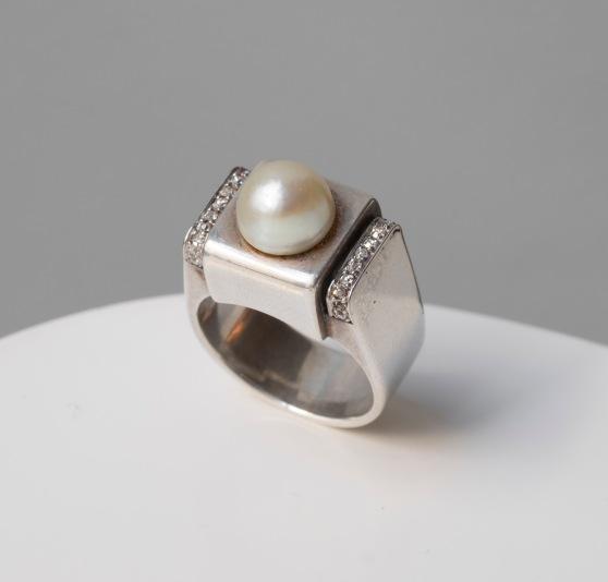 René Boivin - Bague en argent, diamant et perle fine - Vers 1930